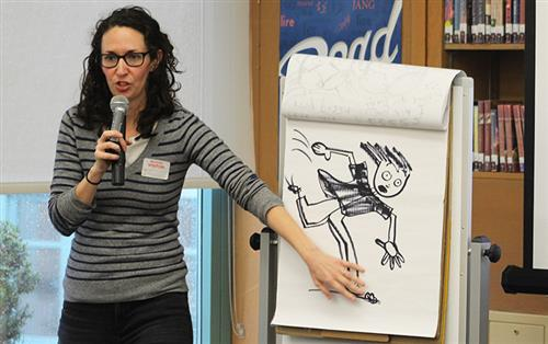Author Victoria Jamieson demonstrates how she illustrates her stories